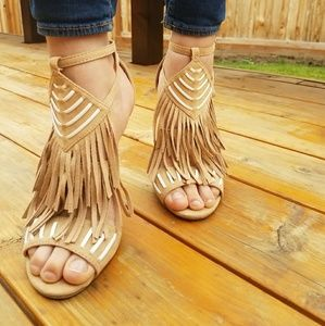 Wild Diva Lounge  Tan and white heels with fringe